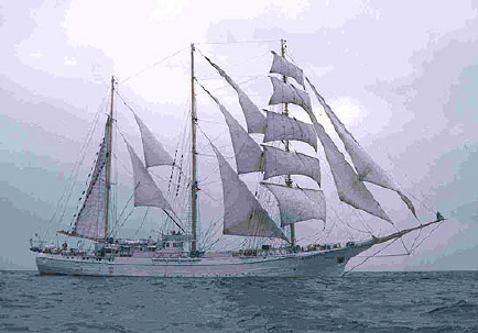 3 masted tall ship.jpg (40765 bytes)
